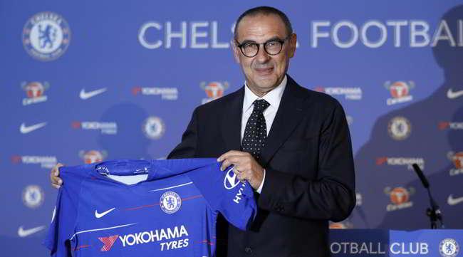 """Chelsea, Sarri in conferenza stampa: """"Con ADL errori. I Napoletani li amo ora e sempre""""."""