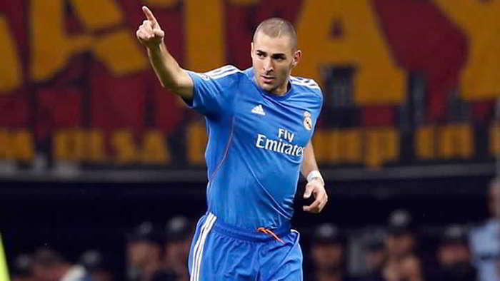 In Spagna sicuri, il Napoli vuole Benzema, contatti ADL -Perez. Cavani piace solo ai tifosi
