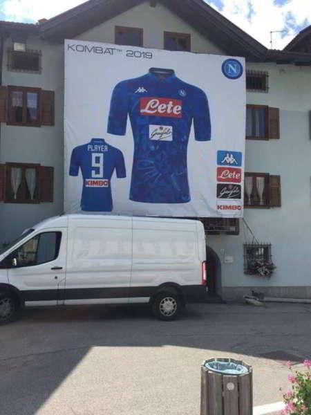 A Dimaro spunta un indizio per il nuovo attaccante del Napoli?