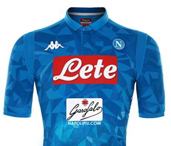 L'ironia dei Napoletani: guardate chi c'è sulla nuova maglia del Napoli