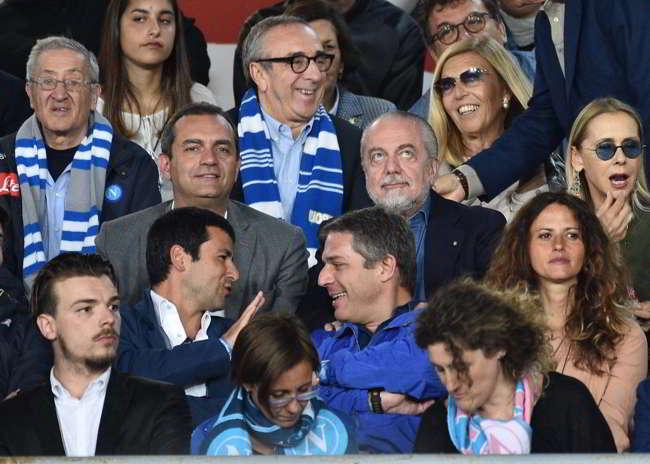 De Laurentiis nega i biglietti di Napoli-Milan ai consiglieri comunali.