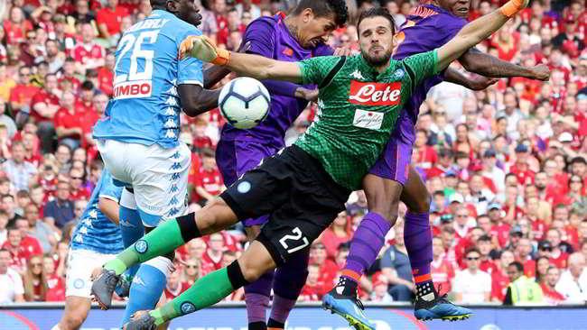 Trieste: «Quando perde è il Napoli di Ancelotti. E quando fa sti figur e mmerd di chi è?»