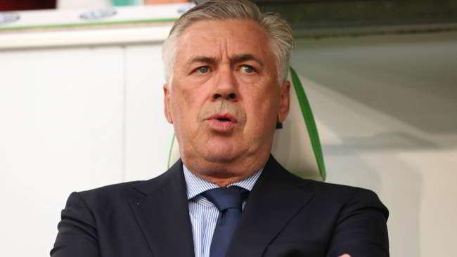 """Ancelotti: """"Dobbiamo essere preoccupati, male in difesa. Cambio ruolo a Mertens"""""""