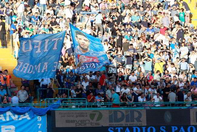 Napoli-Milan, biglietti in vendita. Prelazione per i vecchi abbonati