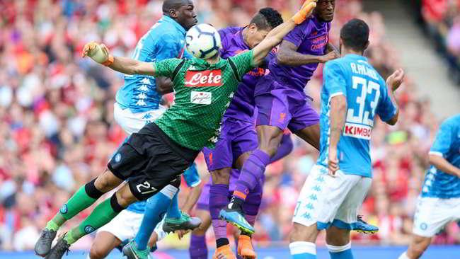 Napoli horror da Profondo rosso. Non si vede nulla del calcio di Ancelotti. Neppure in una amichevole si possono prendere cinque gol.