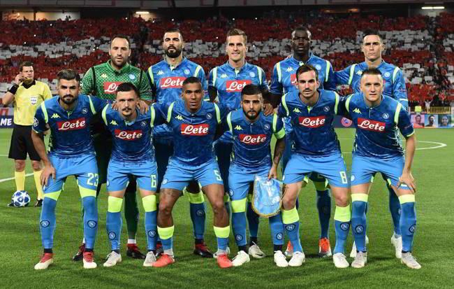Il Napoli contro il Liverpool cerca la qualificazione con l'aiuto dei napoletani