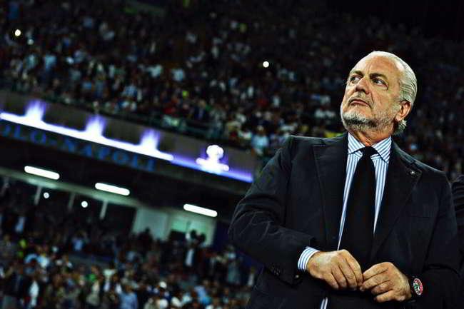 """Napoli, scritta contro De Laurentiis: """"ADL... siamo stanchi di piazzamenti..."""""""