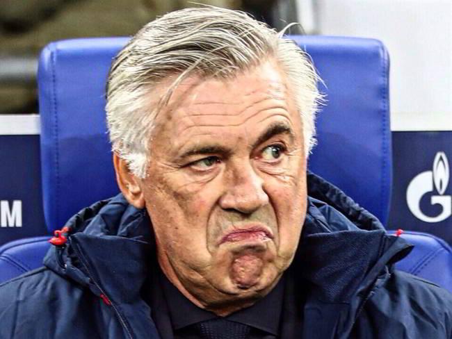 Ancelotti fa turnover. Napoli Parma con un escluso di lusso e un debutto.