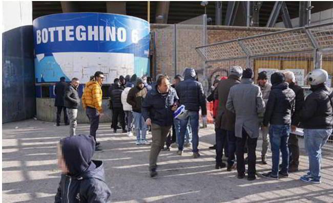 """Il codacons vuole denunciare il Napoli: """"chiederemo ai tifosi di scioperare"""""""