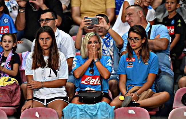 """Tifosi del Napoli contro il caro biglietti di Napoli-Fiorentina: """"Paghiamo noi"""""""