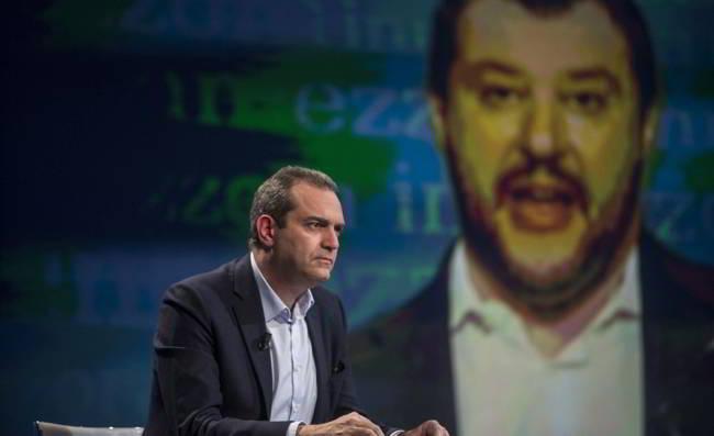 Trasferta vietata. Il comune di Napoli convoca Salvini.