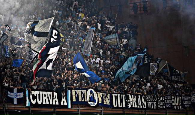 Tifoso della Samp aggredito dai napoletani, posta le immagini sui social