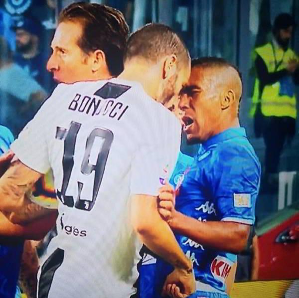 """L'amico di Allegri, Banti condanna il Napoli. Lo stadium canta """"Napoli usa il sapone"""""""