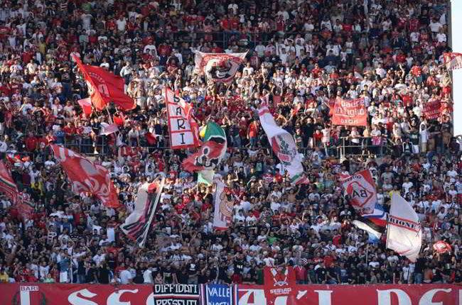 """I tifosi del Bari pazzi di De Laurentiis: """"diventeremo come il Napoli"""""""