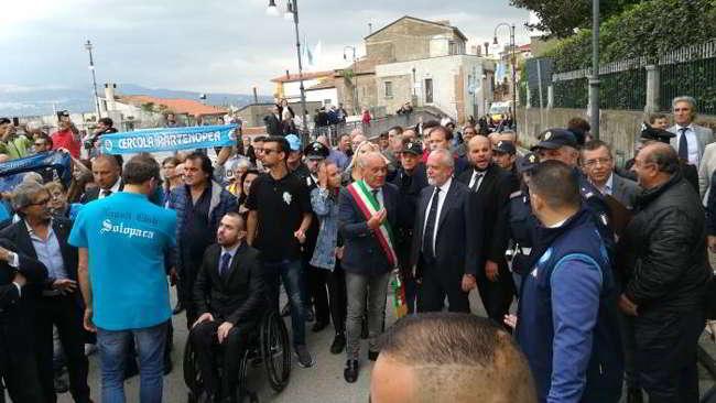 Video: De Laurentiis a Solopaca. Che accoglienza per il presidente del Napoli