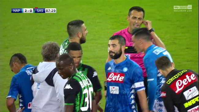 Napoli, manca un rigore su Ounas, Di Bello insufficiente, Locatelli andava espulso...