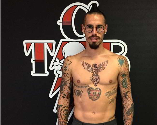 Nuovo tatuaggio per Hamsik. Il tatuatore posta la foto del capolavoro