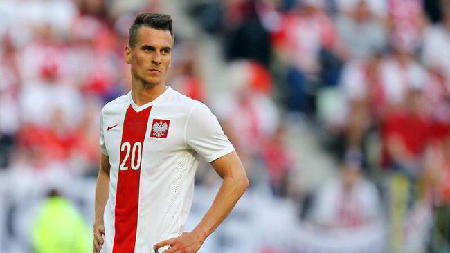 La stampa polacca contro Milik: «Ha grossi problemi con il gol»