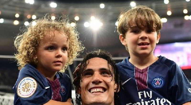 I figli di Cavani tiferanno Napoli. Ormai Lucas e Bautista sono napoletani