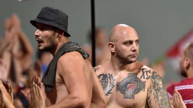 Gemellaggio Ultras del Napoli e Stella Rossa, al San Paolo mancherà Ivan Bogdanov. La polizia in allerta per l'arrivo degli ultranazionalisti serbi.