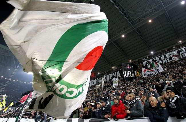 In arrivo la squalifica alla curva della Juve per i cori contro Napoli durante la gara con l'Empoli.