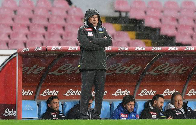 Napoli-Chievo negati due rigori su Callejon e Zielinski