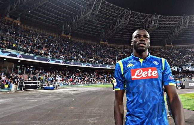 Super offerta per Koulibaly dal Manchester United di Mourino. Spunta un retroscena su Sarri e Koulibaly sulla cessione al Norwich.