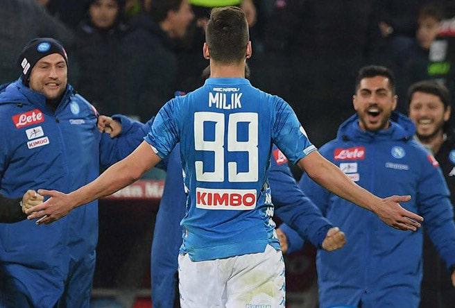 Cagliari-Napoli Milik zittisce i cori della Sardegna Arena