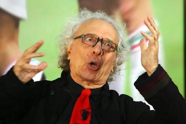 Mughini ha parlato di Juve-inter, del Napoli e dei cori discriminatori. L'opinionista annuncia la catastrofe in caso di sconfitta della Juventus con l'Inter.