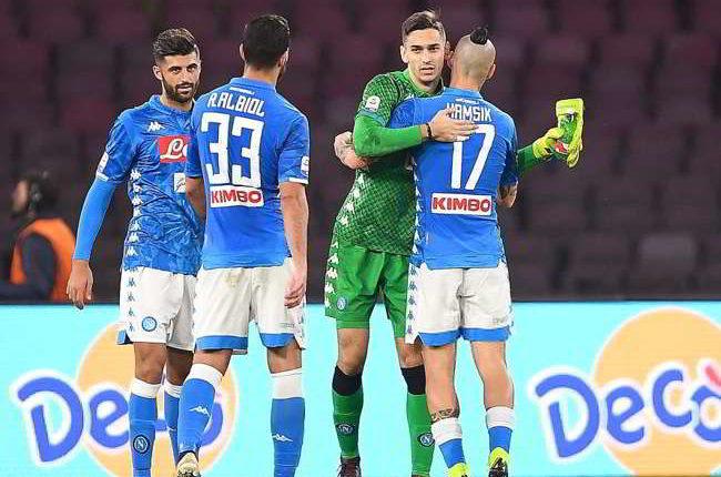 Il Napoli reclama un rigore per mano di Cionek ma deve capire che non è la Juve. Che ha tutto e anche di più.