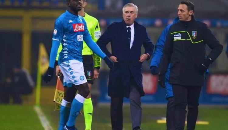 La FIGC non sospenderà il campionato dopo quanto è accaduto in Inter-Napoli. La serie A non si ferma nonostante la morte di un tifoso.La FIGC non sospenderà il campionato dopo quanto è accaduto in Inter-Napoli. La serie A non si ferma nonostante la morte di un tifoso.