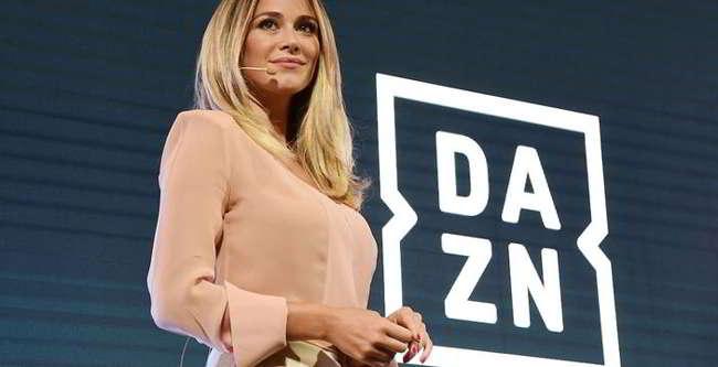 Dazn offre abbonamenti gratis ai napoletani. La reazione non si è fatta attendere
