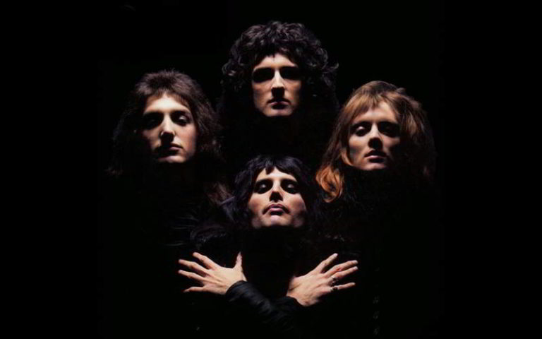 Video Bohemian Rhapsody in napoletano. Le EbbaneSis spopolano sui social