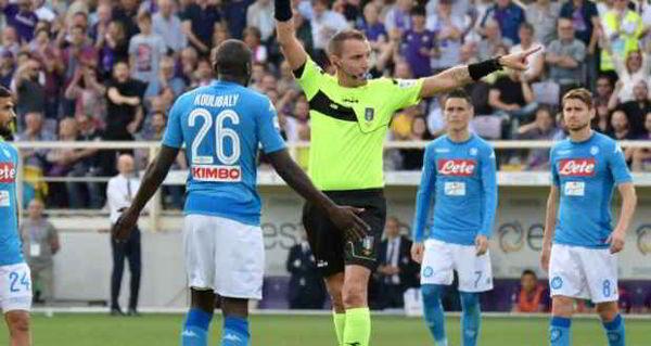 """Il Napoli ha diramato un comunicato sul mancato accoglimento del ricorso alla squalifica di Koulibaly: """"il calcio umiliato, persa una grande occasione""""."""