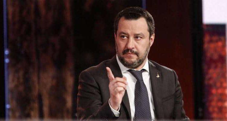 """Corirazzisti, stop alle gare dopo il secondo avviso. Salvini: """"E' assurdo"""""""