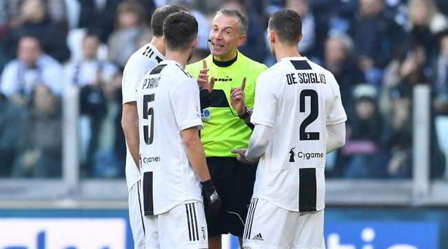 """Esposito: """"fate giocare solo la Juve. Basta con questa farsa, ritirate le squadre..."""""""