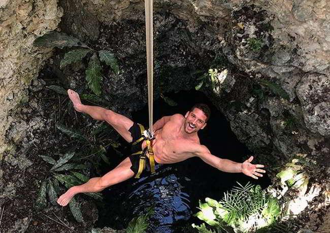 Mertens si cala in una grotta. L'attaccante belga riappare sui social