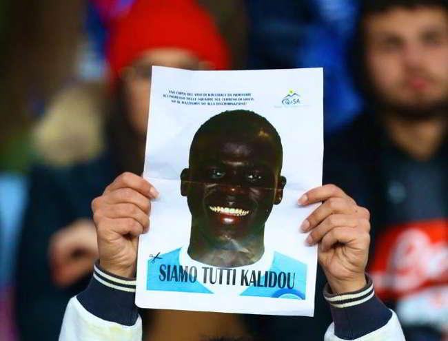 Cori razzisti, si alla sospensione la lega cede. Ha vinto il Napoli