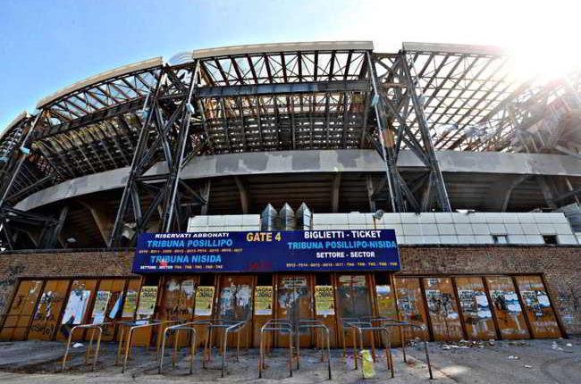 Napoli, mini-abbonamento per sette gare. Juve e Salisburgo comprese