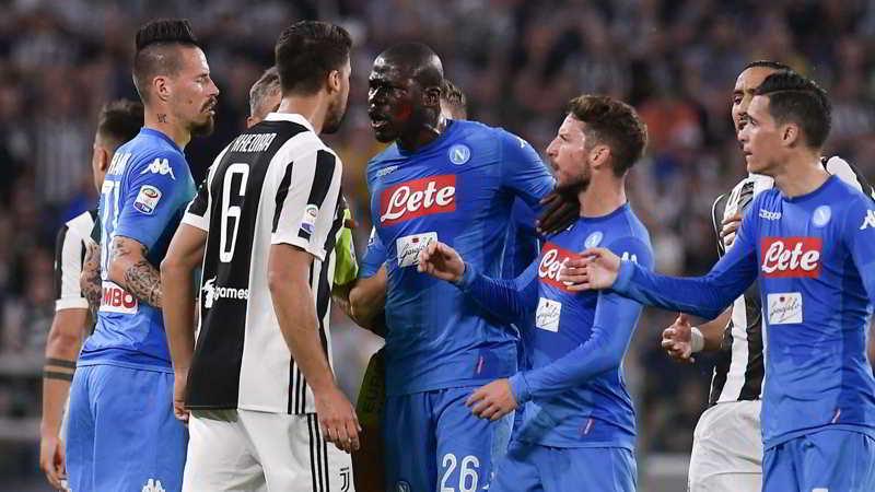 È già Napoli Juve. Gli azzurri hanno un vantaggio secondo la Gazzetta...