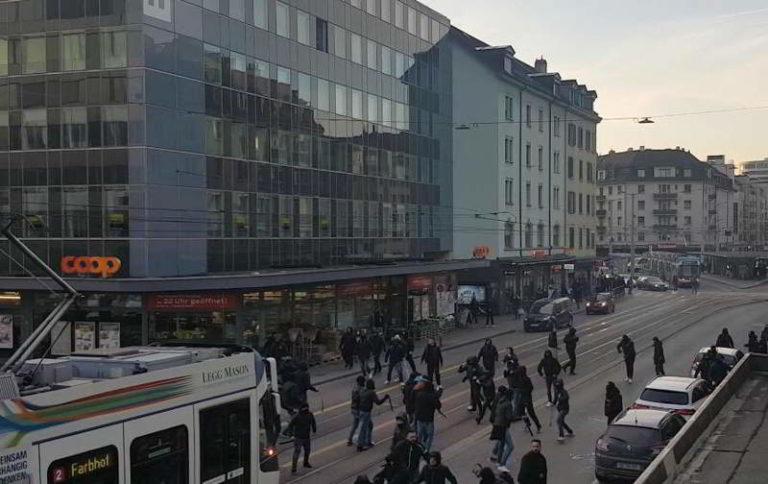 Tifosi del Napoli aggrediti a Zurigo. Tafferugli vicino allo stadio