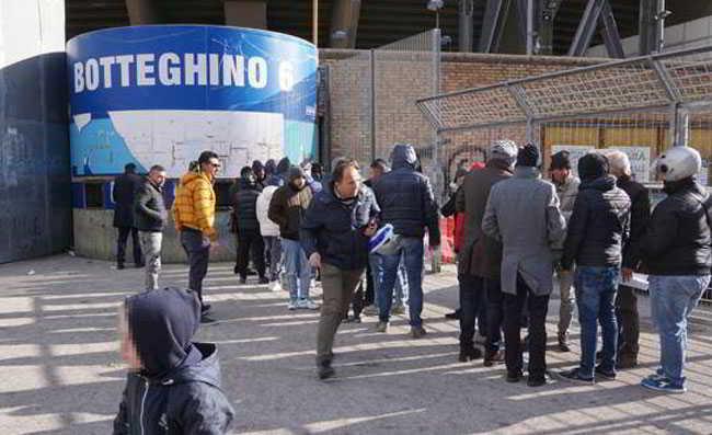 Napoli-Udinese, prevendita a rilento. Ancelotti con 4 infortunati....
