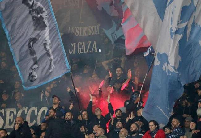 Napoli-Arsenal, hoolingan in arrivo, scatta l'allarme per l'ordine pubblico