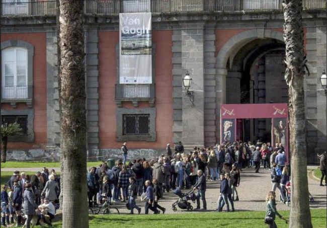 Pasqua a Napoli, offerta impareggiabile per turisti e napoletani