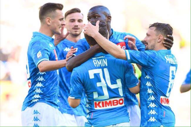 Napoli, faccia a faccia dei giocatori senza Ancelotti.