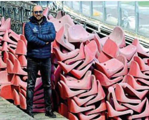 San Paolo, smontati i sediolini della tribuna, martedì tocca alle curve