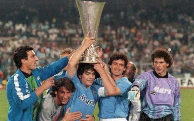 Il Napoli Vinceva la coppa Uefa. Il 17 maggio 1989 Stoccarda-Napoli
