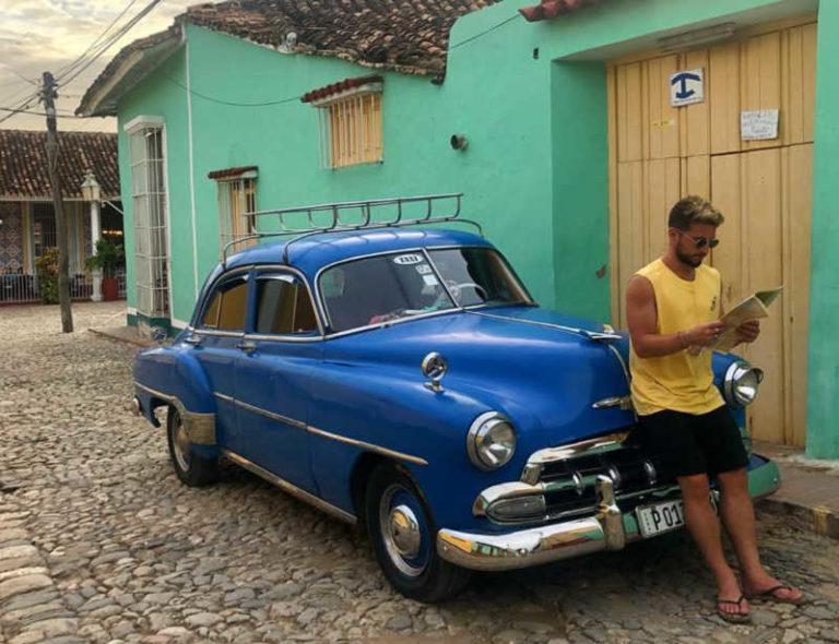"""Mertens da Cuba lancia un segnale di mercato: """"forza Napoli sempre"""""""