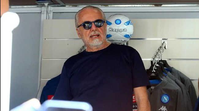James, Pepè e Icardi, i calciatori del Napoli chiedono i campioni