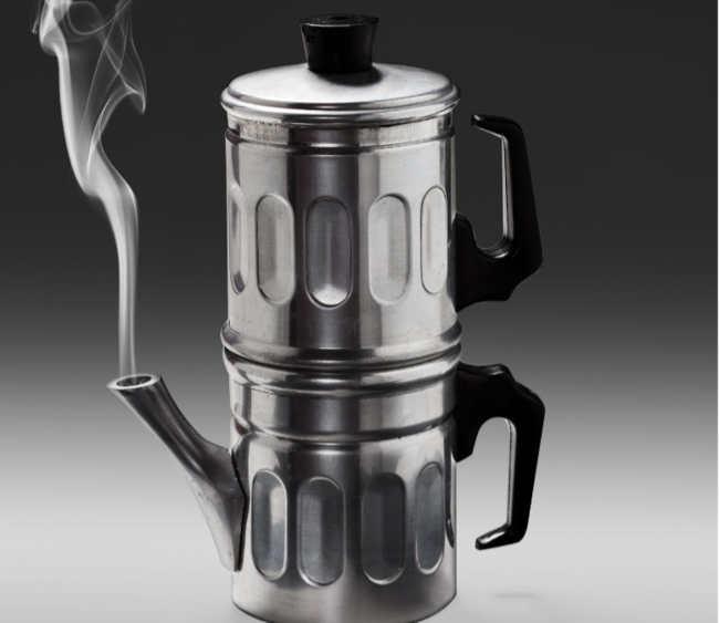 Tradizione napoletana: la caffettiera napoletana